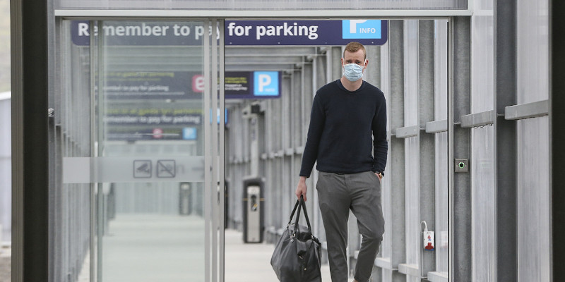 Travellers have to wear masks at Vágar Airport (Image credits: Jens Kr. Vang)