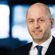Joel undir Leitinum, CEO of Posta